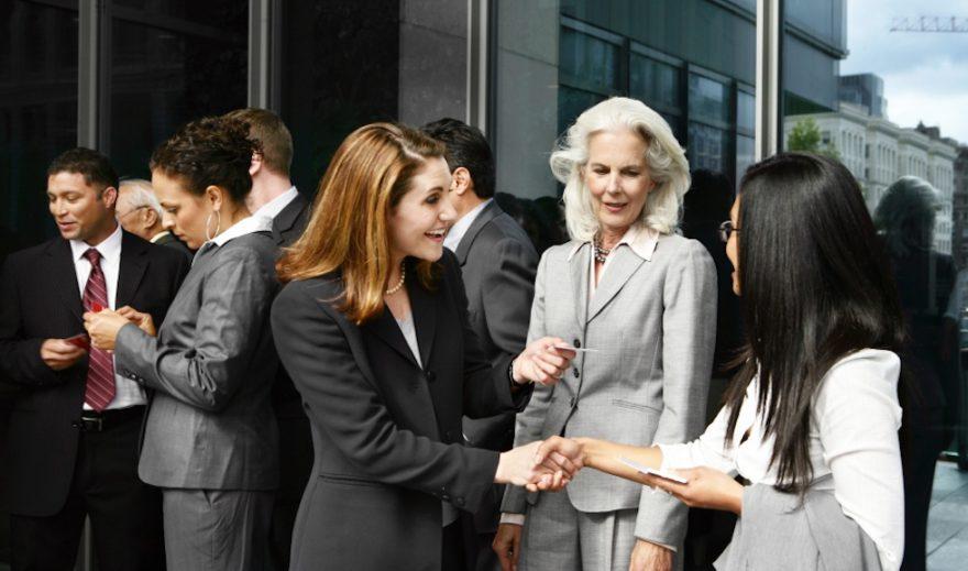 Cómo Prepararse para los Eventos de Networking